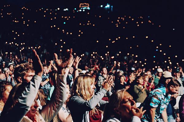 راه های ایجاد فضای انتقادی برای کسب بازخورد از مخاطبان