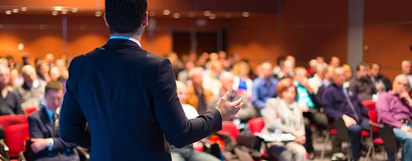 عادت سخنرانان حرفه ای که باید بدانید