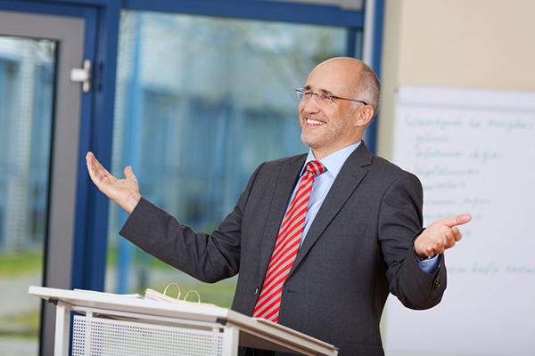 ترفندهای مدیریت زبان بدن در سخنرانی