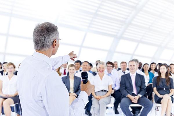 تاثیر تفاوتهای مخاطب زن و مرد و تاثیر آنها روی سخنرانی