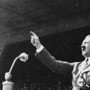 بررسی فنون سخنوری هیتلر در تاریخ
