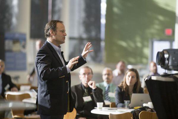 تسلط بیشتر با روشهای تمرین سخنرانی