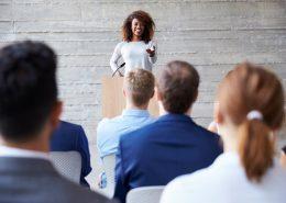 چه طور از شناخت مخاطبان برای بهتر شدن سخنرانی استفاده کنیم؟
