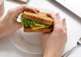 نقد سازنده با استفاده از تکنیک ساندویچ